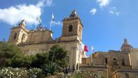 Die drei alten Städte , Vittoriosa, Millitärparade vor dem Freiheitsdenkmal