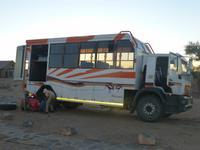 Radwechsel am Safari Truck