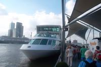 Auf das Spido-Boot zur Hafenrundfahrt Rotterdam