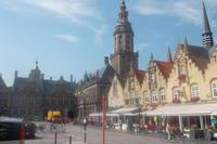 Veurne - Markt mit Belfried, Rathaus und Gerichtshof