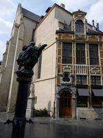 Brueghels Blinden als Brunnen in Brüssel