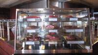 Schiffsrundgang - Steakhouse Surf und Turf  - Fleischtheke