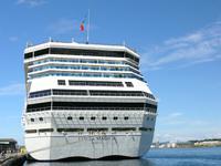 Die Costa Magica im Hafen von Stavanger