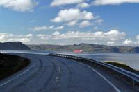 Auf der E69 am Porsangerfjord - Der Weg zur Insel Magerøya (Nordkappinsel)
