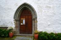 142 Trondenes, Kirche