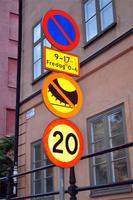Hier merkt man aber doch, dass man nicht  Mitteleuropa ist - Spikesreifen nicht gestattet und das mitten in Stockholm