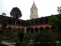 20 Patio_und Glockenturm
