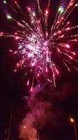 Das Neue Jahr beginnt mit einem zünftigen Feuerwerk vor Schloss Karnity