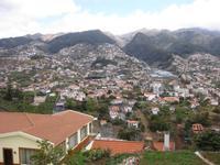 Blick vom Pico dos Barcelos auf Funchal
