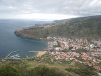 Blick vom Pico da Facho auf Machico und den Flughafen