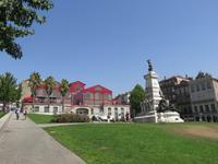 Börsenplatz mit dem Denkmal Heinrich des Seefahrers