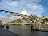 Douro mit Brücke