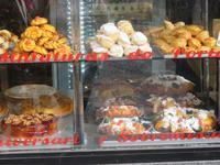 Blick ins Ladengeschäft eines Bäckers