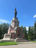 Kostrjoma, Lenin auf dem Zarendenkmal