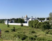 Susdal: Blick auf das Pokrowskij-Kloster am anderen Ufer