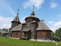 Susdal. Freilichtmuseum. Große und kleine Kirche.