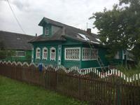 ein schönes kleines russisches Haus