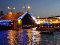 Lichterfahrt - Öffnung der Palastbrücke um 01:25 Uhr