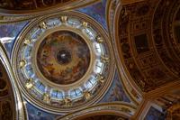 Blick hinauf in die Kuppel der Isaakskathedrale