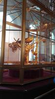 die Pfauenuhr im Pavillion-Saal