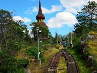 2024 Eine Bahn bringt die Besucher auf bequeme Art zum Hazeliustor (nur Ausgang)