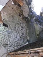 Eingangsbereich der Höhlenburg Predjamski Grad