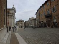 Hauptplatz von Urbino