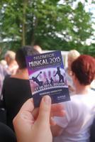Gespanntes Warten auf die Show- Faszination Musical 2013