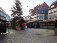 Marktplatz in Quedlinburg mit Weihnachtsmarkt