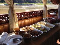 249 und wir genießen ein leckeres Mittagessen auf dem Boot