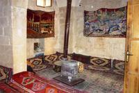 24.10.11 Midyat, Blick in eine Teestube im Alten Basar