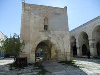 In der ehemaligen Kawanserei Sultanhani