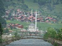 Blick zur Moschee in Uzungöl
