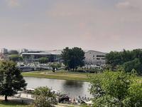 Krakau.Weichsel und Kongresszentrum.
