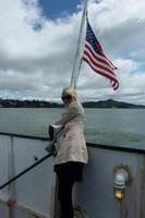 Eberhardt-Reisebegleitung Vicky Kern auf der Fähre nach San Francisco