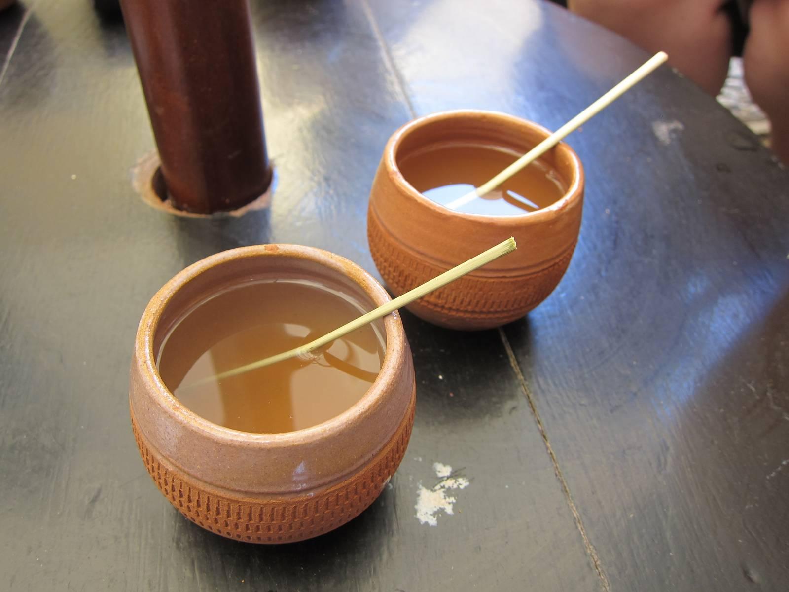 Canchanchara trinken in Trinidad